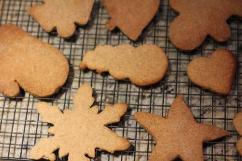 Maple Gingerbread Christmas Card Cookies