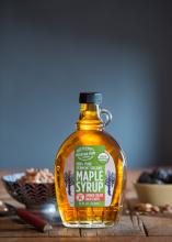 maple-syrup-rustic-breakfast-table